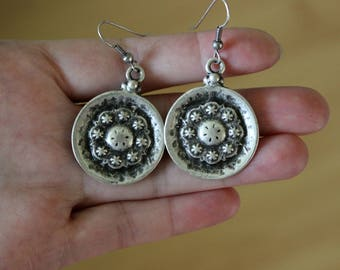 Mandala Earrings, Bohemian Earrings, Tribal Earrings, Ethnic Earrings, Gypsy Earrings, Silver Boho Earrings, Floral Silver Round Earrings