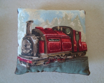 Little cushion for decoration or spade hands - red train