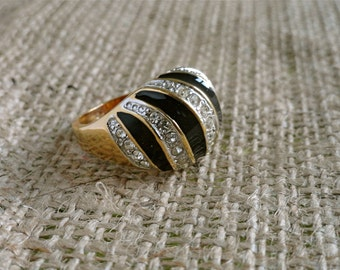 Vintage Black Lacquer & White Rhinestone Twist 18K Gold Plated Dome Cocktail Ring (sz 7.5)