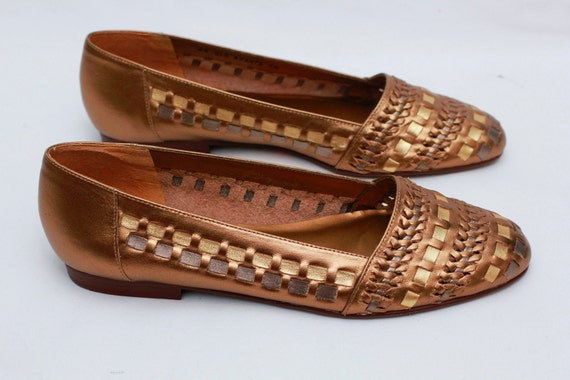 Sz 7 Leather Woven GOLD Never Worn