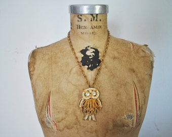 1970s OWL Necklace / Gold Rhinestone