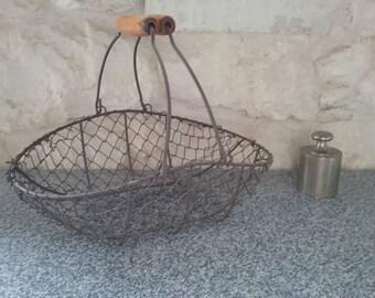 Former basket wire to hens - harvest basket fences, metal and wood, vintage, France garden basket
