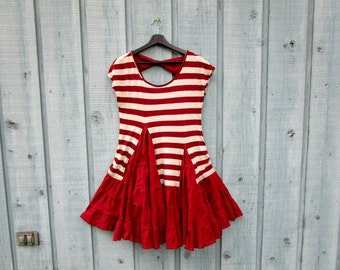 Medium Red Striped Upcycled Ruffled Tunic Top// emmevielle