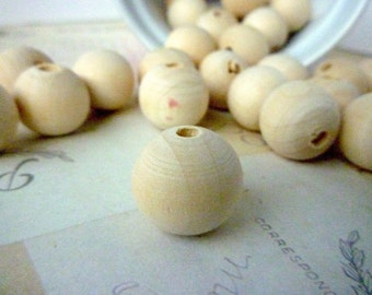 Round Wood Beads - Natural - 18mm - Pack of 20