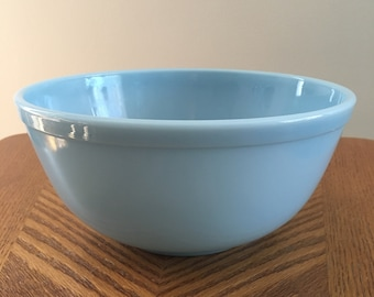 Pyrex Bluebell Deliphite # 402 mixing bowl