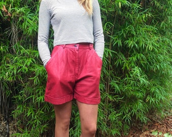 Vintage red leather shorts 8