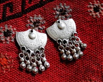 Ethnic silver plated earrings - Half circle shape and small bells - Bohemian Earrings - Gypsystyle - Boho Jewelry - Tribal Style