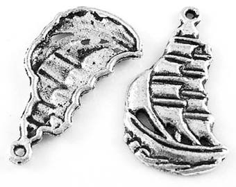 15 Pirate Ship Sails Sea Water Antique Silver Charms Pendants 13mm x 22mm (513)