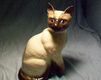 Beswick England Tall Blue Eyed Siamese Cat Figurine
