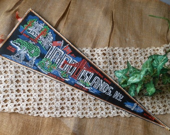 1000 Thousand Islands NY Souvenir Pennant Advertising Vintage at Quilted Nest