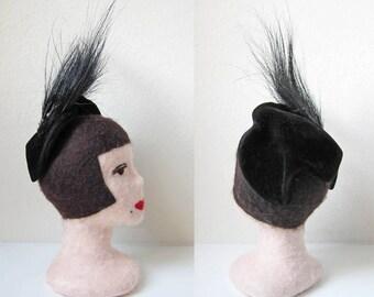 1930s vintage black velvet aigrette plume grosgrain ribbon topper hat