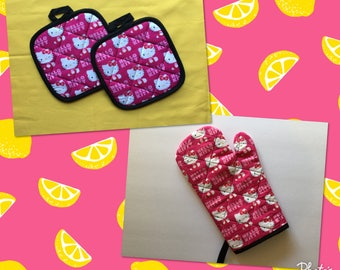 Hello Kitty Oven Mitt and Pot Holders kitchen gift set  *Ready to ship