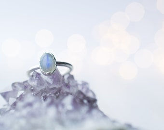 Silver Moonstone ring | June Birthstone Ring | Moonstone stacking ring | Birthstone jewelry | Organic stone jewelry