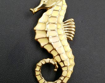 Vintage Signed TRIFARI Seahorse Brooch with Pale Yellow Enamel and Gold Tone, Seahorse Pin, Sea Creature Brooch, Beach Jewelry, Vacation