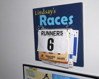 Race bib display sign