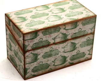 SALE Wood Recipe Box Retro Cream with Green Vintage Roasters Fits 4x6 Cards