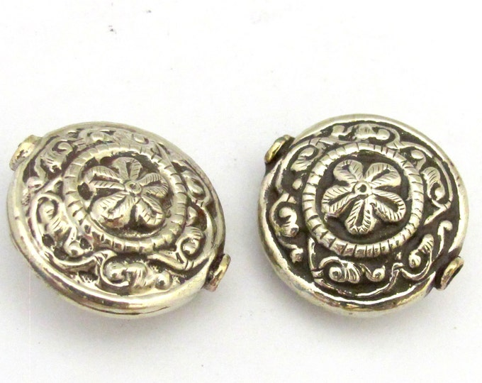 2 Beads - Large round shape Tibetan silver repousse floral design focal pendant bead -  BD736s