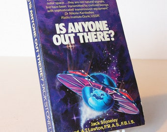 Is anyone Out There ufo, alien signals Vintage Flying Saucer Paranormal Space Invasion paperback