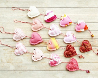 Heart chain garland ornament 4 opt decor bunting rose pink white shabby chic door hanger housewarming baby shower hostess Mother's Day gift