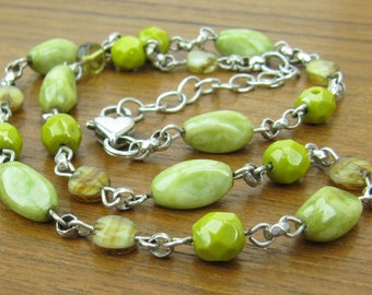 Vintage Sterling Green Stone chain Necklace heart lock clasp jewelry silver  925