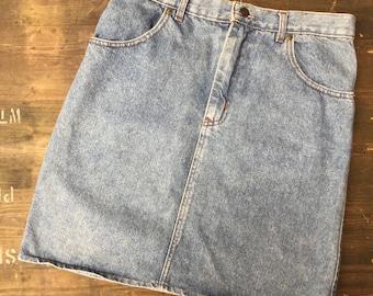 Levi Strauss W32 L36 Denim Skirt