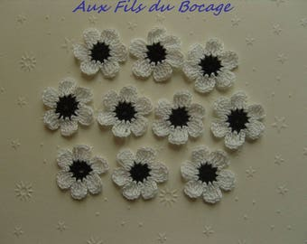 Crocheted appliques, set of 10 black and white flowers