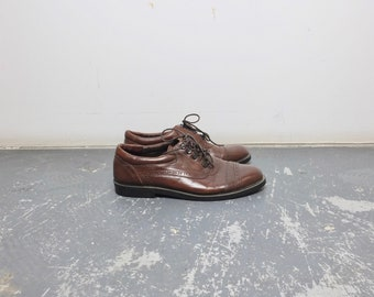 Size 11 Women's / 80s Leather Oxfords with Metal Eyelets