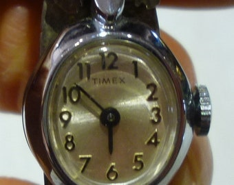 I73 Vintage Sterling and Turquoise Watch Bangle w/a Timex Ladies Watch, Working.