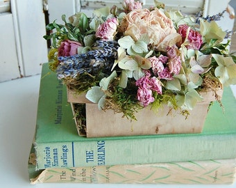 Spring Dried Flower Arrangement / Shabby Cottage Dried Floral / Peony, Lavender, Roses