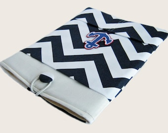 Macbook Pro Sleeve, Macbook Pro Cover, 13 inch Macbook Pro Cover, 13 inch Macbook Pro Case, Laptop Sleeve, Navy Blue Chevron with an Anchor