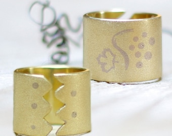 Chunky brass ring, Gardener gift, Band ring, Grape vine leaf, Reversible cuff ring, Wide floral statement ring, Green thumb, Jewelry rings