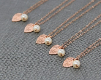 Rustic Bridesmaid Necklaces Set of 5, Rose Gold Leaf Necklace, Nature Inspired Jewelry, Rose Gold and Pearl Bridesmaid Jewelry Gift