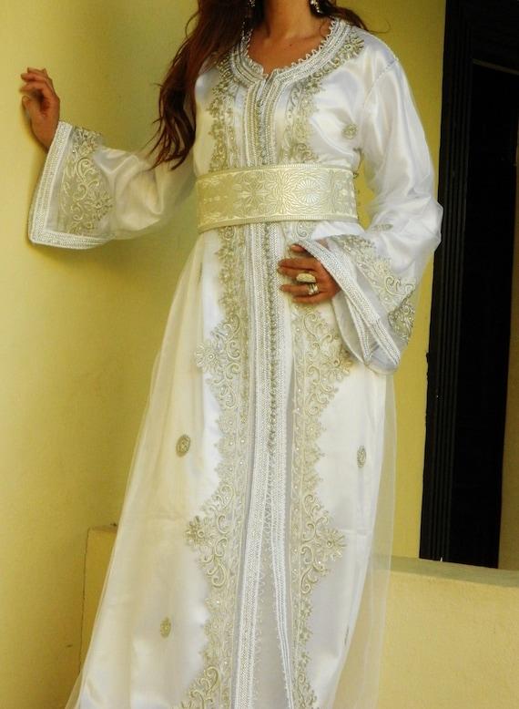 Moroccan Modern White Embroidery Caftan Kafan-Salima- parities, moroccan parties, weddings,abbayas, honeymoon, birthday, anniversary gift