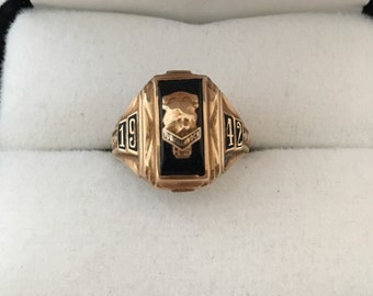 10K Solid Gold 1942 School Class Ring Tunkhannock Pa - Black Enamel
