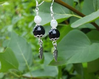 Stud Earrings in 925 sterling silver, Moonstone / Black Onyx / feather