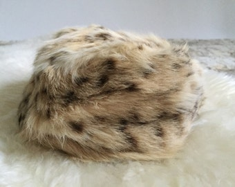 1960s fur pillbox hat. 60s pillbox hat. Vintage fur hat. FREE SHIPPING!