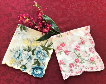 Vintage Hankies, Two Vintage Hankies, Set of Two Vintage Women Hankies, Vintage Handkerchiefs, Vintage Accessories, Handkerchief Accessory