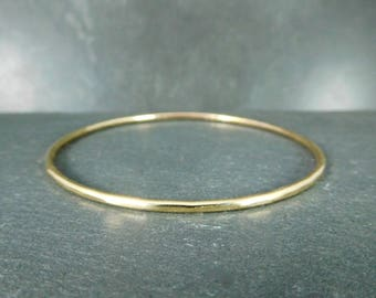 Gold Filled Bangle Bracelet, 14K Yellow Gold Filled Hammered Bangle, Skinny Delicate, Simple Classic Everyday Jewelry, 2mm Wide, Stacking