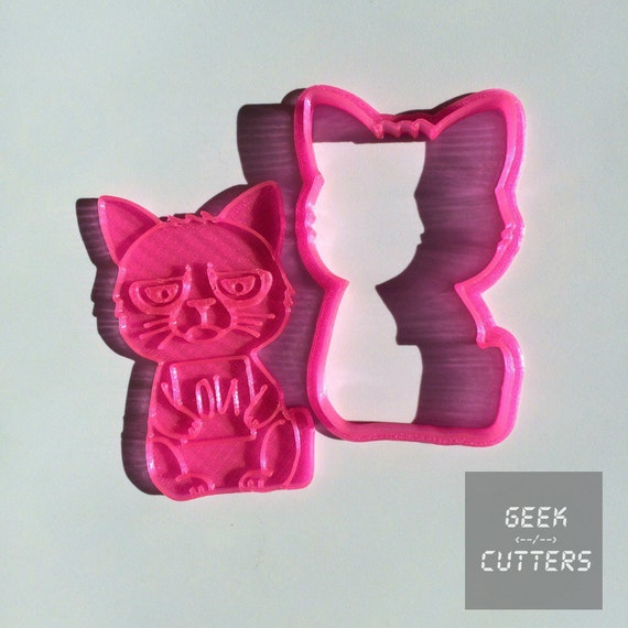 Grumpy Cat Cookie Cutter - *Dishwasher safe option* - 3D Printed