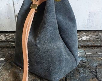Cinch bag in slate and rose
