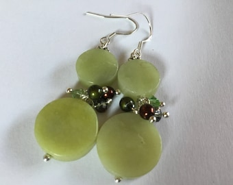 Stunning earrings green jade beads, Mexican, flat round beads, 925 sterling silver hooks