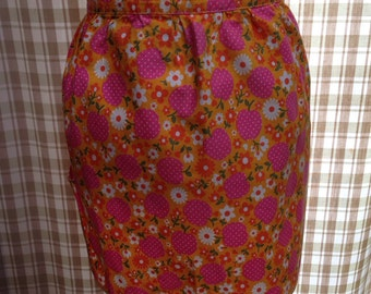 Vintage Apron - Orange and Pink Apples and Flowers