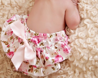 baby flower Diaper cover - Baby Diaper Cover - Ruffle diaper cover -  Diaper cover - Photoprop - Ruffle Bloomers - Newborn prop - Toddler