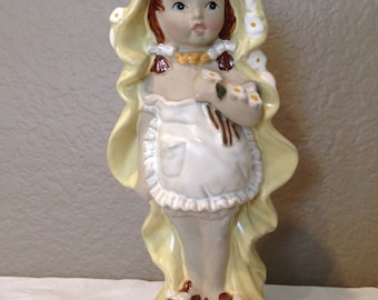 Vintage 1970's Mann Pottery Japan Girl with dolls Figurine-LUV 24