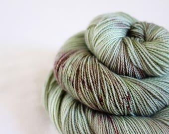 Alma - Gosling - 80/10/10 superwash merino/ cashmere/ nylon sock yarn