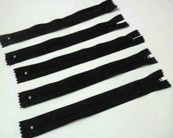 Set of 5 zippers 20cm black