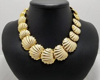 NAPIER Seashell Necklace