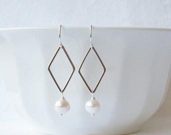 White Freshwater Pearl Dangle Earrings,  Pearl Earrings, Pearl Jewelry