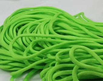 5 Metters green Paracord - survival bracelet