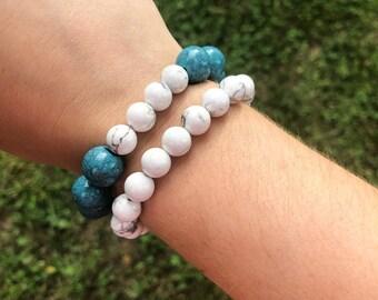 Beaded Bracelet / Turquoise and White Howlite Accent Bracelet
